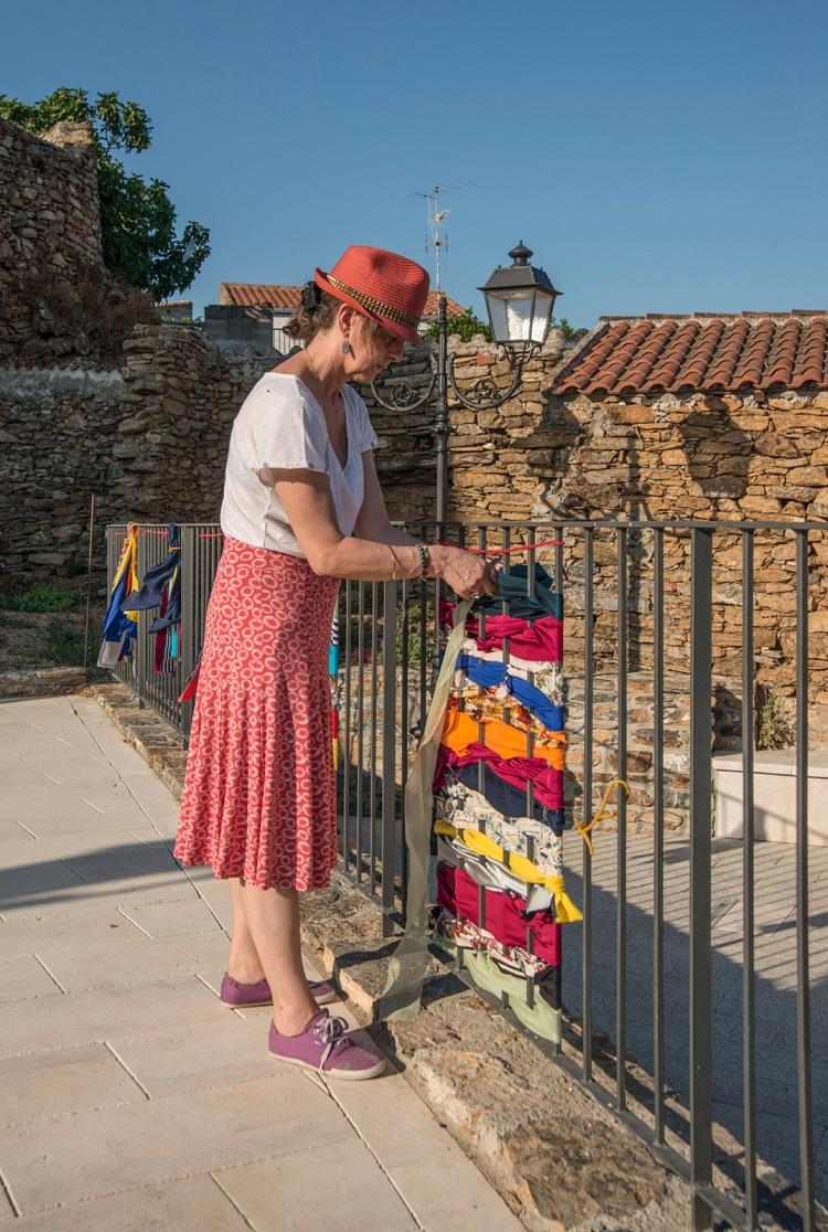 Weaving work on the railings